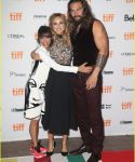 suki-waterhouse-jason-momoa-premiere-the-bad-batch-10.jpg